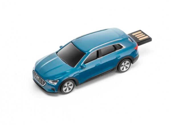 Audi e-tron USB-stick, Antiguablau, 32 GB
