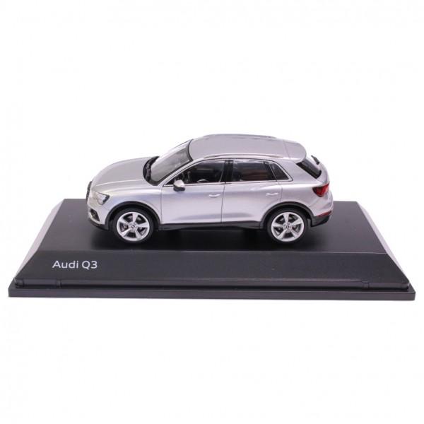 Modellauto Audi Q3, 1:43, Florettsilber