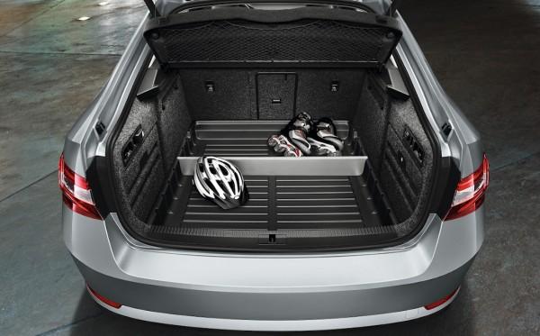 ŠKODA Kofferraumwanne mit erhöhtem Rand Superb III Limousine