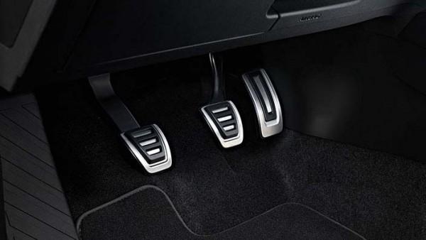 Pedalkappen aus Edelstahl für VW T-Cross Fahrzeuge mit Schaltgetriebe
