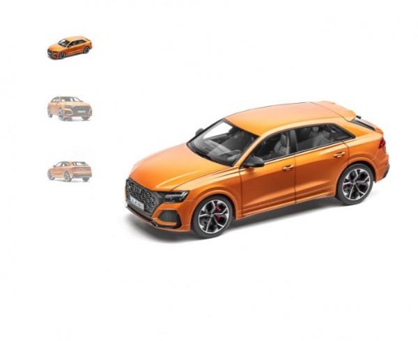 Modellauto Audi RS Q8, Drachenorange, 1:18