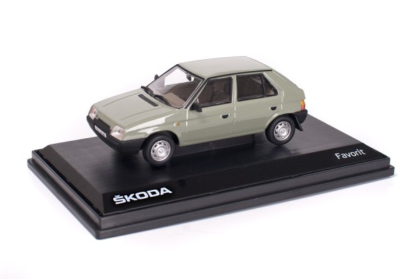ŠKODA Modellauto Favorit (1987), 1:43, Farbe Grün